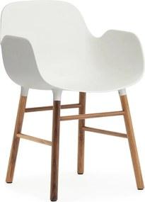 Normann Copenhagen Form Armchair stoel met walnoten onderstel