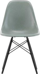 Vitra Eames DSW Fiberglass stoel esdoorn zwart sea foam green