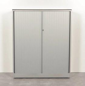 Roldeurkast, aluminium, 142 x 120 cm, incl. 3 legborden, gladde lamel