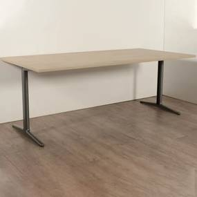 Recht bureau, 200 x 100 cm, nieuw blad + gebruikt onderstel (standaard vaste hoogte)