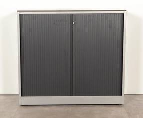 Roldeurkast, aluminium, 109 x 120 cm, incl. 2 legborden