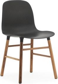Normann Copenhagen Form Chair stoel met walnoten onderstel zwart
